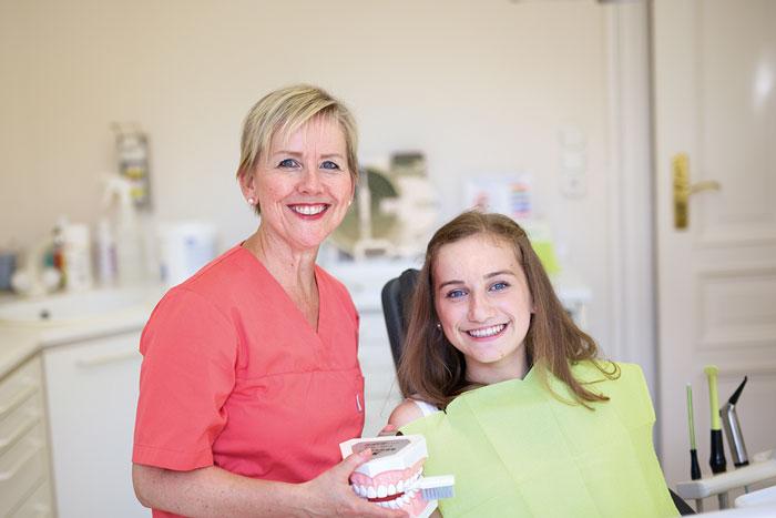 Sympathische Zahnarztpraxis mit freundlicher und familiärer Behandlungsatmosphäre