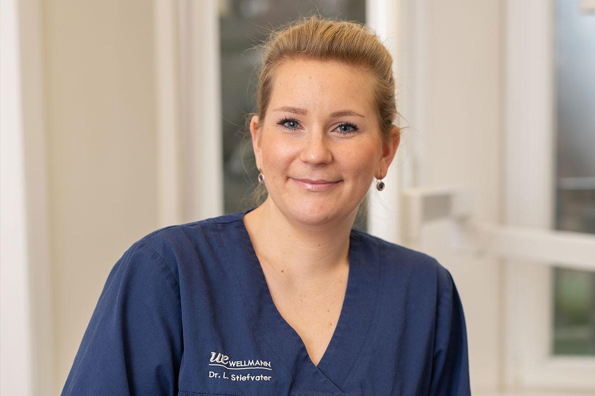 Spezialistin für Wurzelbehandlung und Kieferorthopädie: Zahnärztin Dr. Larissa Stiefvater