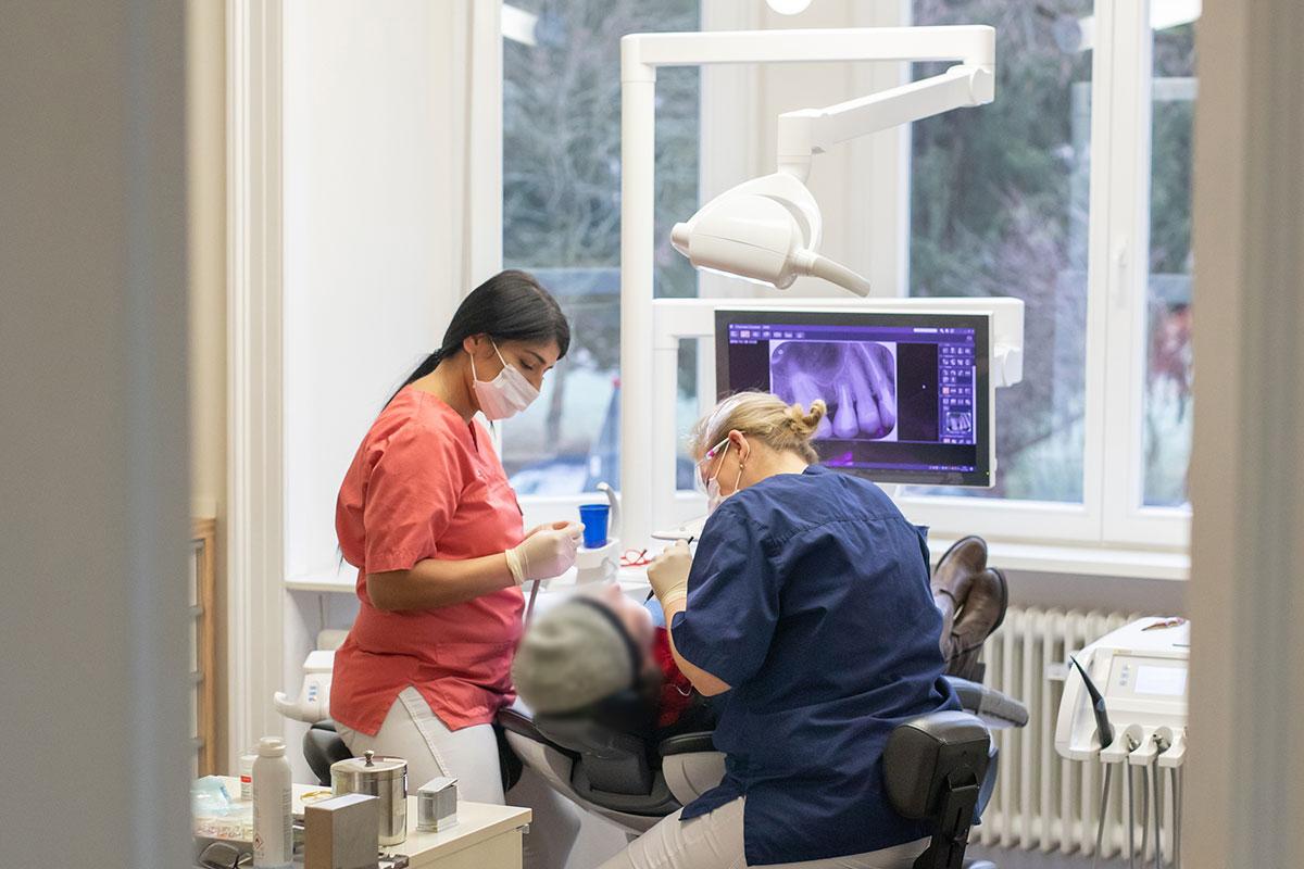 Kompetente Zahnarztpraxis für Zahnerhalt und Zahnersatz in Bad Homburg, Taunus, Rhein-Main